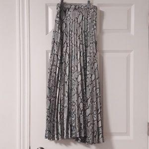 NEW Snakeprint pleated maxi skirt S-M US6 EU38